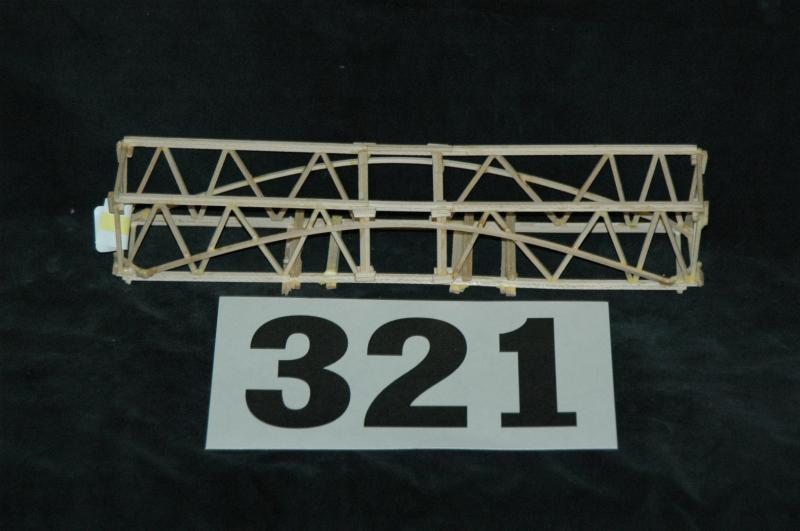 321 bridge Condition: 7+ original box: 8 year: 1959 up for sale is a complete, undamaged, all-original trestle bridge from 1959 this bridge is clean, has all assembly tabs (none broken nor repaired.